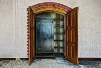 closet-426388__180